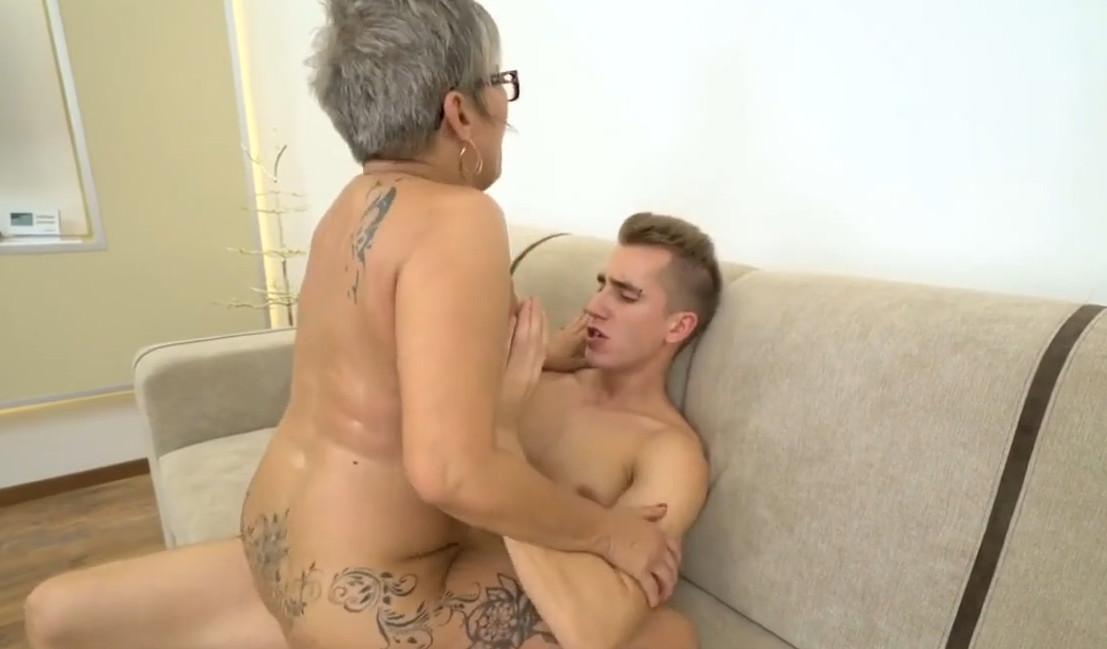 порно картинки инцест мама и сын